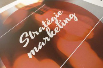 page de garde d'un chapitre de mémoire d'examen relatant de la stratégie marketing